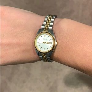 Pulsar quartz two tone watch